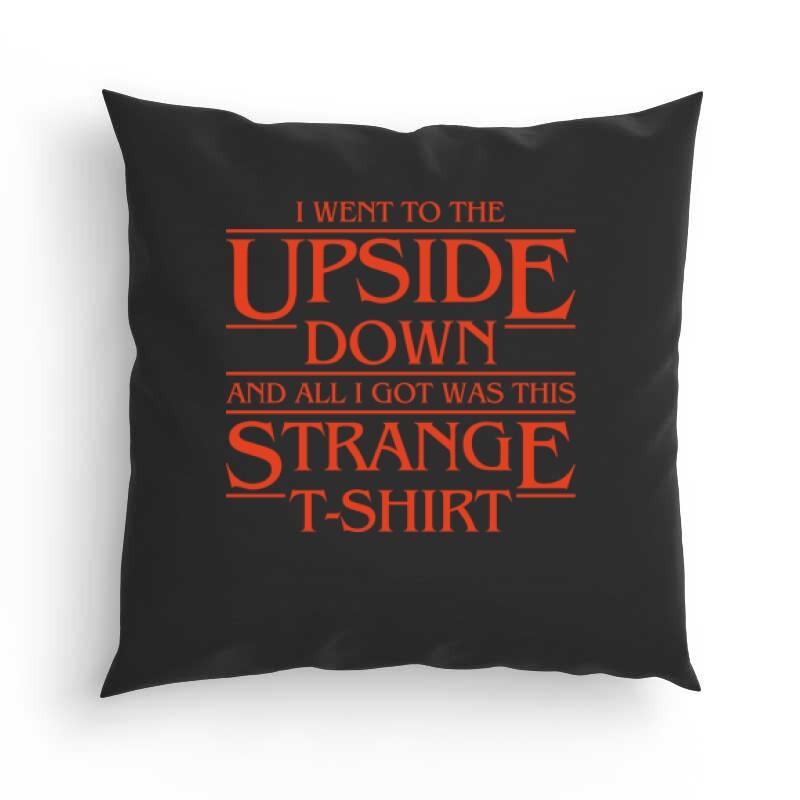 Strange Tshirt Párna